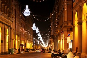 Christmas lights - via Independenza