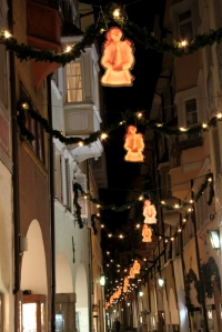Xmas street lights in Bolzano