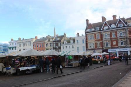 Outdoor market in Cambridge